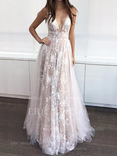 A-Line/Princess V-neck Sweep Train Prom Dresses With Appliques Lace (018211725)