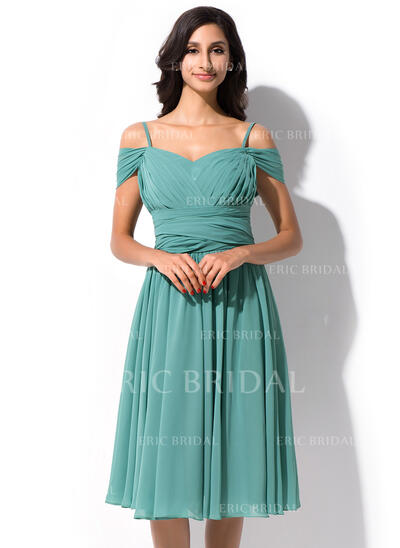 A-Line Off-the-Shoulder Knee-Length Chiffon Bridesmaid Dress With Ruffle (007055191)