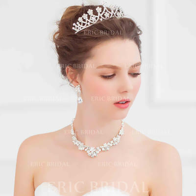 """Tiaras Wedding/Special Occasion Alloy 4.72""""(Approx.12cm) 2.76""""(Approx.7cm) Headpieces (042156971)"""
