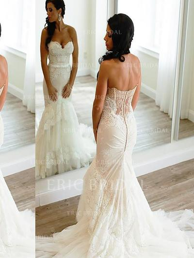 Trumpet/Mermaid Sweetheart Court Train Wedding Dresses With Lace Appliques Lace (002148020)