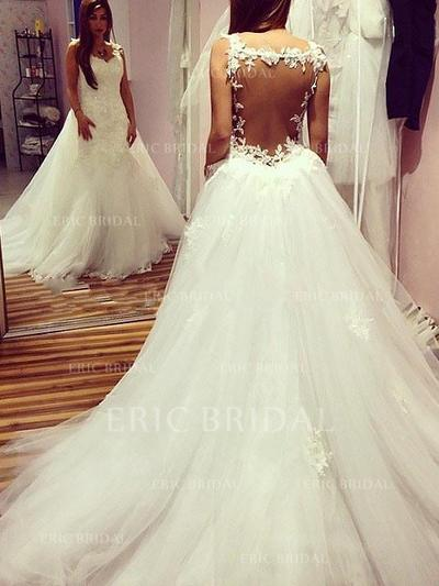 Ball-Gown Sweetheart Chapel Train Wedding Dresses With Appliques Lace (002210866)
