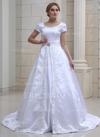 Ball-Gown Sweetheart Chapel Train Wedding Dresses With Crystal Brooch (002001632)