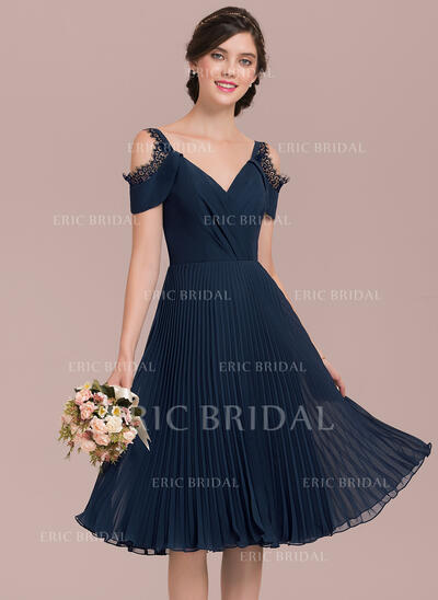 A-Line V-neck Knee-Length Chiffon Bridesmaid Dress With Lace Pleated (007126440)