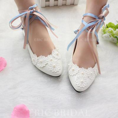 Women's Closed Toe Flats Flat Heel Patent Leather With Lace-up Applique Wedding Shoes (047207255)