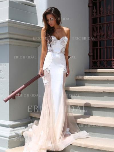 Trumpet/Mermaid Strapless Court Train Prom Dresses With Lace (018144663)