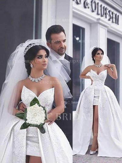 Ball-Gown Sweetheart Chapel Train Wedding Dresses With Beading (002210837)