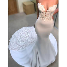 Trumpet/Mermaid Sweetheart Court Train Wedding Dresses With Appliques Lace
