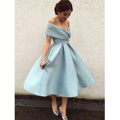 A-Line/Princess Off-the-Shoulder Tea-Length Cocktail Dresses With Ruffle