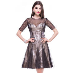A-Line/Princess Scoop Neck Knee-Length Tulle Homecoming Dress With Beading (022069027)