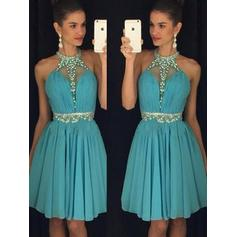 A-Line/Princess Halter Knee-Length Chiffon Cocktail Dresses With Ruffle Beading Sequins