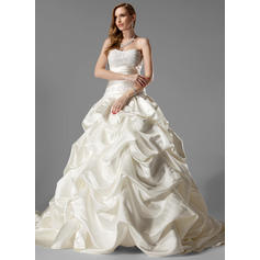 Ball-Gown Sweetheart Chapel Train Wedding Dresses With Ruffle Lace (002000451)