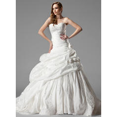 Ball-Gown Sweetheart Chapel Train Wedding Dresses With Ruffle Lace Flower(s) (002000461)