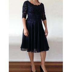 A-Line/Princess Chiffon 1/2 Sleeves Scoop Neck Knee-Length Zipper Up Mother of the Bride Dresses