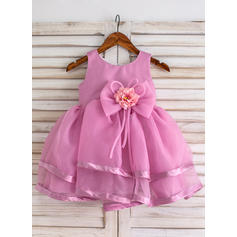 Ball Gown Scoop Neck Knee-length With Flower(s)/Bow(s) Organza Flower Girl Dresses