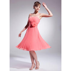 A-Line/Princess Knee-Length Chiffon Cocktail Dresses With Flower(s) Pleated (016008222)