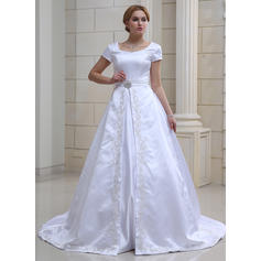 Ball-Gown Sweetheart Chapel Train Wedding Dresses With Crystal Brooch