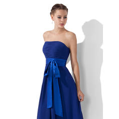 bridesmaid dresses in shades of blue