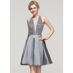 A-Line/Princess Scoop Neck Knee-Length Taffeta Cocktail Dress With Beading