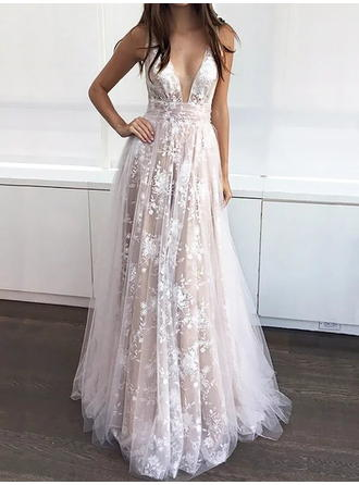 A-Line/Princess V-neck Sweep Train Tulle Evening Dresses With Appliques Lace