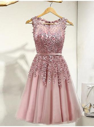 A-Line/Princess Tulle Prom Dresses Lace Beading Scoop Neck Sleeveless Knee-Length