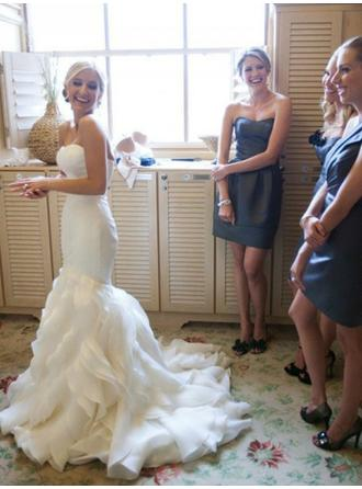 Trumpet/Mermaid Sweetheart Court Train Wedding Dresses With Cascading Ruffles