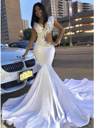 Trumpet/Mermaid V-neck Chapel Train Prom Dresses With Beading