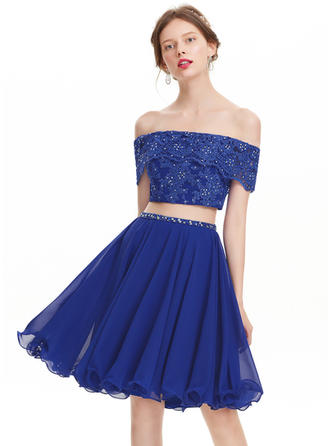 A-Line/Princess Off-the-Shoulder Knee-Length Chiffon Homecoming Dresses With Beading Sequins