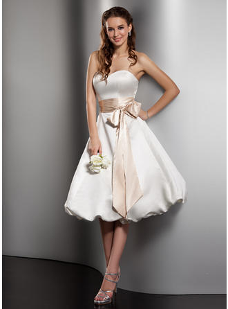 A-Line/Princess Sweetheart Knee-Length Wedding Dresses With Sash Bow(s)