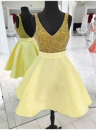 A-Line/Princess V-neck Short/Mini Homecoming Dresses With Sash Beading