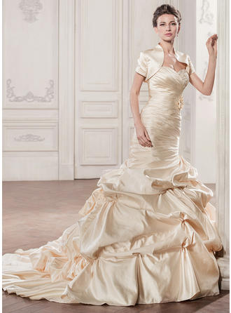 Trumpet/Mermaid Sweetheart Chapel Train Wedding Dresses With Ruffle Beading Appliques Lace Flower(s) Sequins