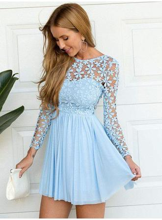 A-Line/Princess Scoop Neck Short/Mini Chiffon Homecoming Dresses With Lace