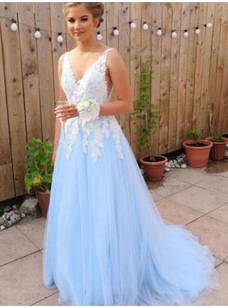 A-Line/Princess V-neck Sweep Train Prom Dresses With Appliques