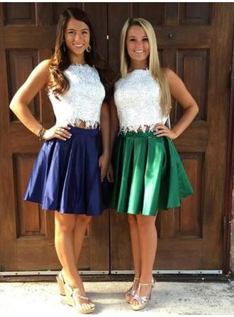 A-Line/Princess Square Neckline Knee-Length Homecoming Dresses With Ruffle