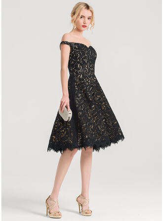 A-Line Off-the-Shoulder Knee-Length Lace Cocktail Dress